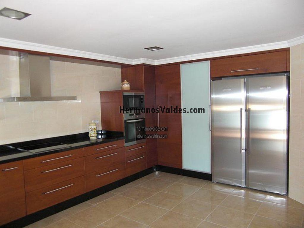 Muebles de cocina con granito negro for Cocinas de granito negro