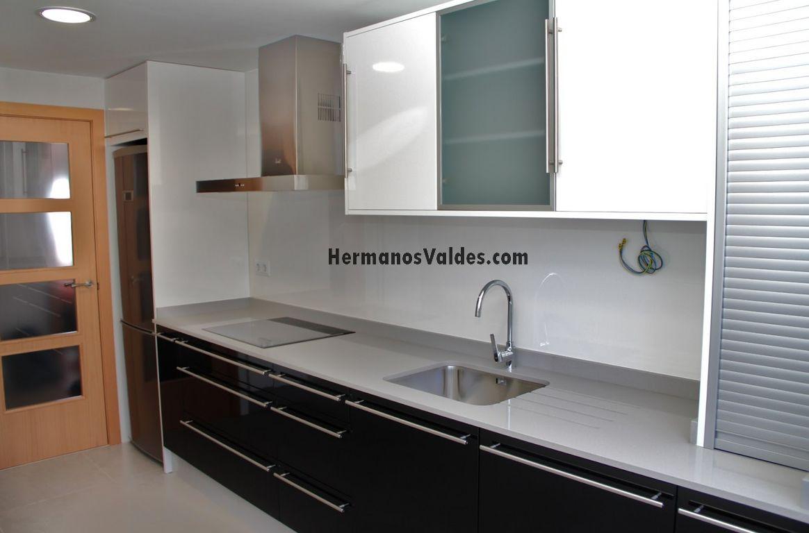 23 hermoso armario persiana cocina im genes cocina - Mueble cocina kit ...